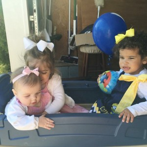 E sharing the wagon with the smith girls
